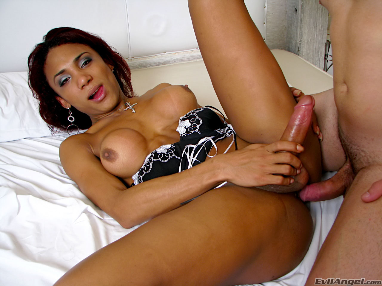 Sheplays with her cock