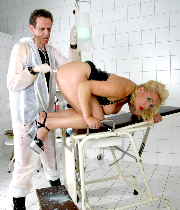 Порно фото мужик у проктолога